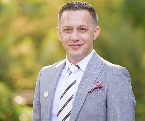 Ionuț Sitaru, Associate Sales Manager 102 The Address