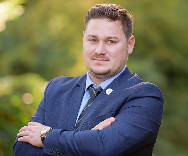 Tiberiu Ușvat, Associate Sales Consultant Pallady Towers